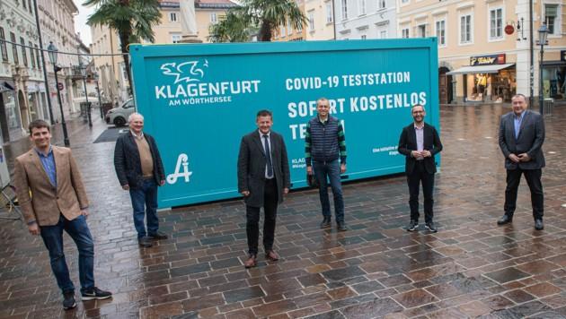 Der neue Test-Container steht seit Freitag am Alten Platz. (Bild: Helge Bauer)