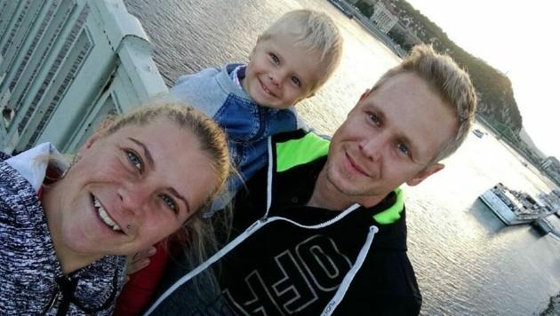 Ein Selfie aus vergangenen Tagen. Familienausflüge wie diesen wird es für den jungen Vater und seine Buben künftig nicht mehr geben. (Bild: Repo: Christian Schulter)