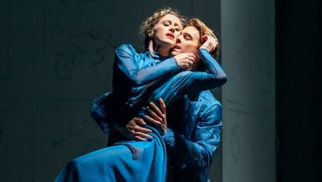 Harriet Mills (Anna Karenina) und Klevis Neza (Wronski) (Bild: Salzburger Landestheater)