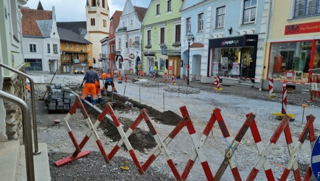 Beton, wenig Grün – Zwettl versiegelt derzeit die Innenstadt. (Bild: Die Grünen Zwettl/Silvia Moser)