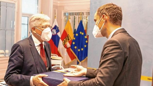 (c) 2021- Protokoll, Besuch des slowenischen Aussenministers. - Bild zeigt: LH Peter Kaiser und Aussenminister Anze Logar. (Bild: © Wolfgang Jannach - Rechtlicher Hinweis: Dieses Foto ist honorarpflichtig. Es gelten unsere Allgemeinen Geschäftsbedingungen. T)