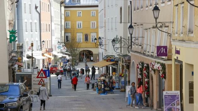In der Halleiner Altstadt ist in Zeiten wie diesen nur wenig los. (Bild: Tschepp Markus)