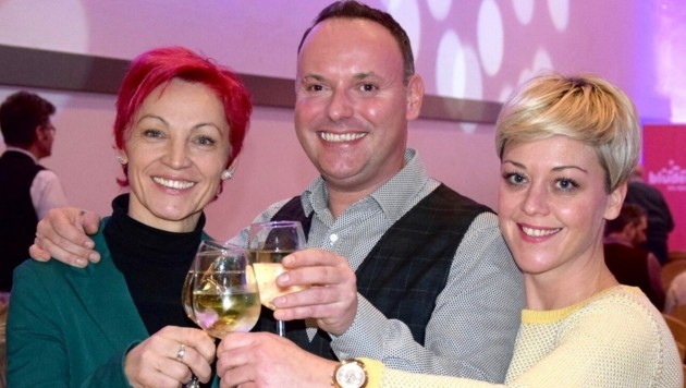 Grund zu Feiern gibt es für Eva Peter (rechts), denn sie wird die neue Vize-Bürgermeisterin von Bludenz. Das Foto wurde bei einem Neujahrsempfang vor Corona gemacht. (Bild: Gerhard Scopoli)
