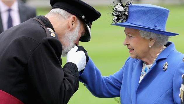 Prinz Michael von Kent mit Queen Elizabeth (Bild: AFP)