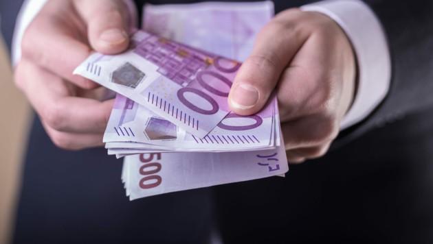 Die EU-Kommission begründet den Vorstoß mit dem Kampf gegen Kriminalität. (Bild: stock.adobe.com)