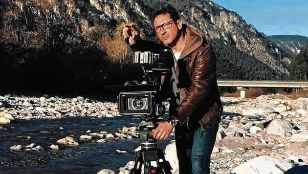 Gernot Stadler bei den Dreharbeiten für seinen Film über die Drau: Die Bilder sind imposant. (Bild: Gernot Stadler)