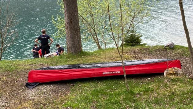 Die Wasserrettung Achenkirch barg das gekenterte Faltboot (Bild: zoom.tirol)