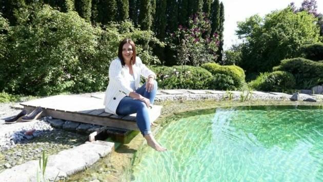 LH-Stv. Astrid Eisenkopf weiß die idyllische Ruhe und Vielfalt in den burgenländischen Gärten zu schätzen. (Bild: Reinhard Judt)