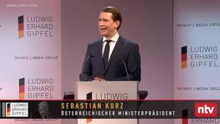 """Ehrung des """"österreichischen Ministerpräsidenten"""" auf ntv (Bild: Screenshot: YouTube.com/WEIMER MEDIA GROUP)"""