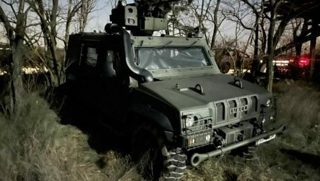 Heer mit Aufklärungsfahrzeug und Wärmebildkamera auf Grenzpatrouille. (Bild: Christian Schulter)
