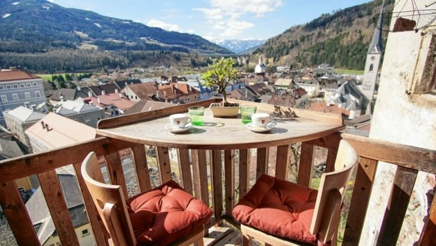 Auf der Terrasse wurde mehr Platz für die Gäste geschaffen (Bild: Stefanie Mayer)