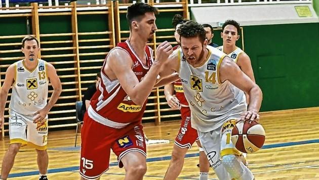 Vranjkovic (am Ball) war stärkster Panther im ersten Match. (Bild: Foto Ricardo; Richard Heintz 8010 A-Graz)