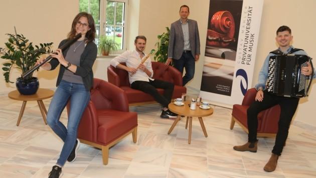 Konzerte mit Kaffeehausambiente: neue Lounge im Foyer. (Bild: Rojsek-Wiedergut Uta)