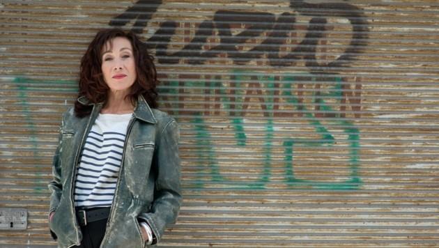 Höchst beliebt im TV: Andrea Eckert kommt in Juni nach Linz (Bild: Laurent Ziegler)