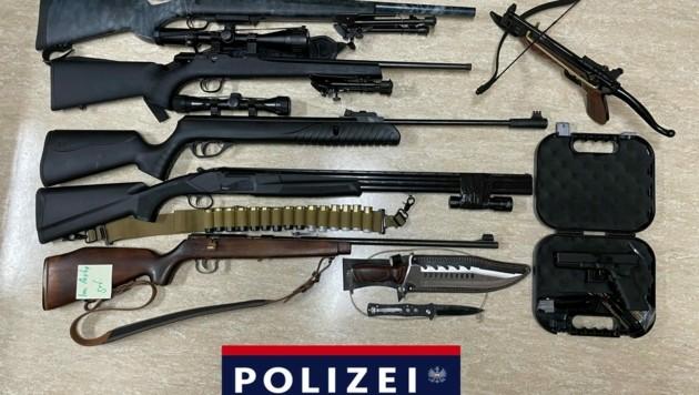 Die sichergestellten Waffen. (Bild: LPD Tirol)