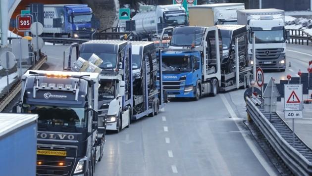 Laut Transitforum würde mit seiner Dieselprivileg-Lösung der Tanktourismus unattraktiver (Bild: Birbaumer Christof)
