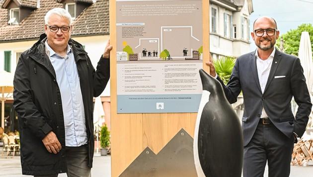 Stadtrat Heribert Hehle (l.) und Bürgermeister Michael Ritsch: Die Info-Stationen sollen über die Themen Stadtklima, Mobilität, Gebäude und Artenvielfalt informieren. (Bild: Udo Mittelberger)