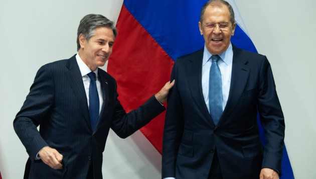 US-Außenminister Antony Blinken mit seinem russischen Amtskollegen Sergej Lawrow (Bild: AFP)
