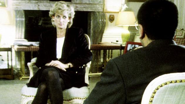 Prinzessin Diana während des BBC-Interviews mit Martin Bashir im Jahr 1995 (Bild: PA / picturedesk.com)
