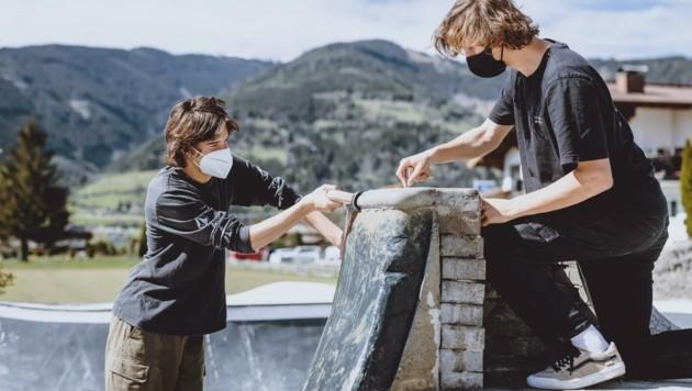 Moritz Kaufmann und Felix Schett bei den Arbeiten.Wo (Bild: EXPA/ JFK)