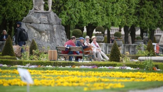 ... aber auch zum Sonnetanken im Mirabellgarten. (Bild: Tröster Andreas)