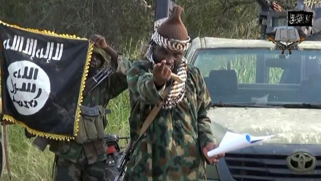 Ein Screenshot von einem Video mit Abubakar Shekau, das Boko Haram als Propagandamaterial 2014 veröffentlichte (Bild: AFP)
