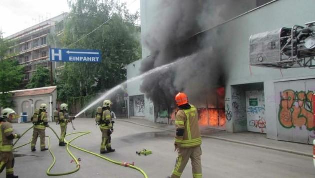 Brand in der Müllsammelstelle (Bild: BF Graz)