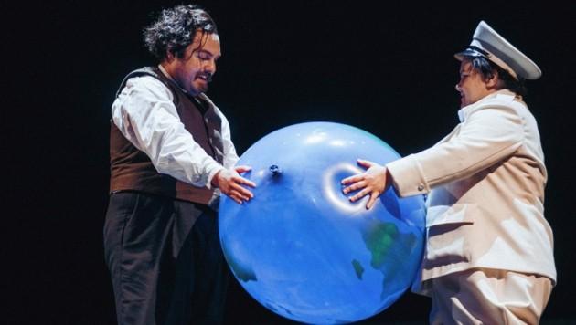 """Alexej Lochmann und Julia Gräfner in """"Der große Diktator"""" am Schauspielhaus Graz (Bild: Karelly/Lamprecht)"""