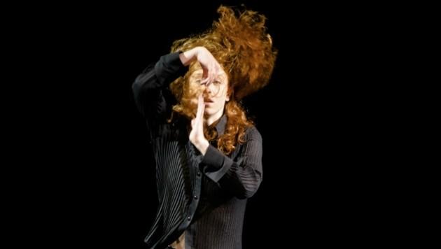 Evi van Wieren bei ihrem Solo in der Linzer BlackBox. (Bild: Vincenzo Laera)