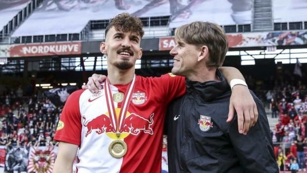 Christoph Freund (re., mit Mergim Berisha) muss einige Leistungsträger ziehen lassen. (Bild: GEPA pictures/ Jasmin Walter)