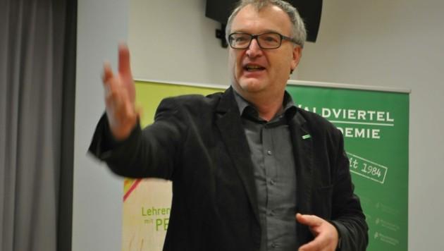 Gibt das Zepter an die nächste Generation ab: Dr. Ernst Wurz (Bild: Waldviertel Akademie)
