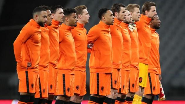 Die niederländische Nationalmannschaft (Bild: APA/AFP/POOL/TOLGA BOZOGLU)