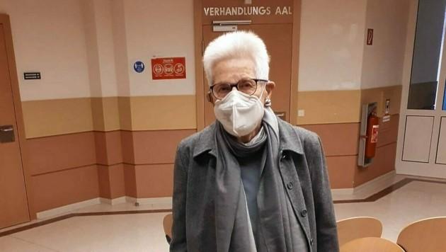 Christa Chorherr (86) ging falschen Kriminalbeamten in die Falle - sie machte ihre Story öffentlich, auch um andere wachzurütteln. (Bild: Peter Grotter)
