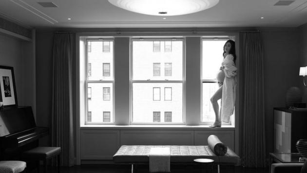 """Emmy Rossum: """"Zwei Wochen, bevor unsere Tochter geboren wurde."""" (Bild: www.instagram.com/emmy)"""