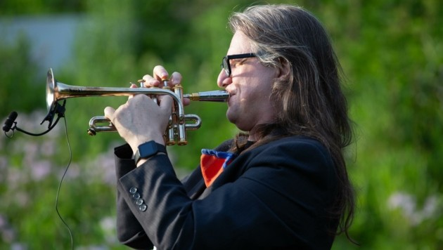Der aus Schwaz stammenden Trompeter Franz Hackl spielte in New York die Lead-Trompete. (Bild: Ozier Muhammad)