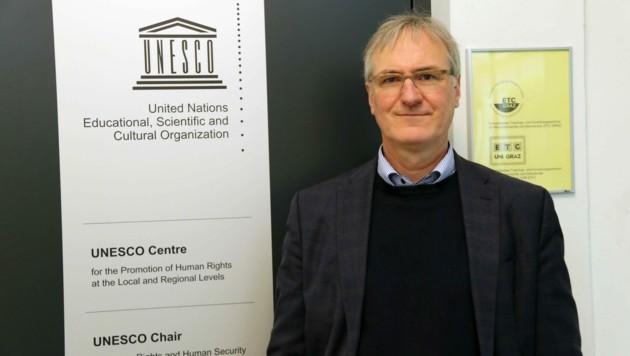 Klaus Starl leitet das Grazer Menschenrechts-Trainingszentrum der UNESCO (Bild: Christian Jauschowetz)