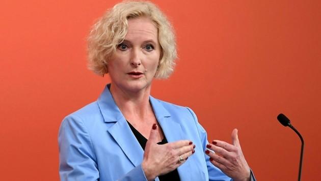 SPÖ-Rechnungshofsprecherin Karin Greiner (Bild: APA/HELMUT FOHRINGER)