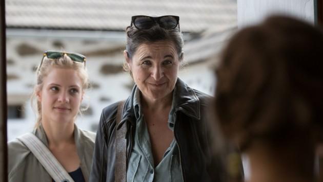 Ermittler-Duo Maria Hofstätter (re.) und Miriam Fussenegger (Bild: Felipe Kolm)