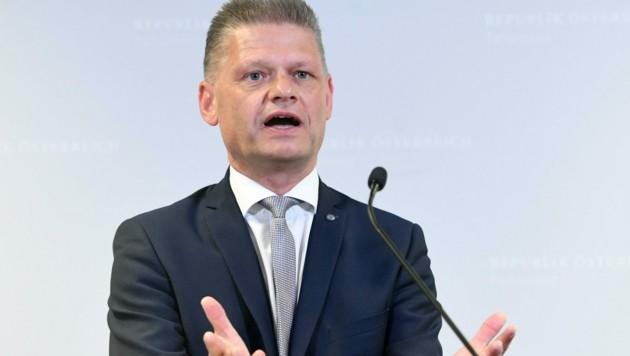 Andreas Hanger zeigte sich erzürnt über die Umgangsformen von NEOS-Abgeordnetem Brandstätter. (Bild: APA/HELMUT FOHRINGER)