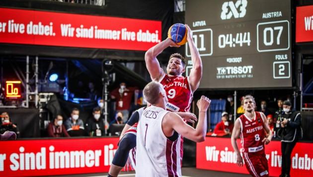 Filip Krämer (am Ball) (Bild: Basketball Austria)