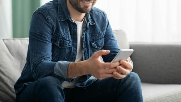 Die Ombudsfrau konnte einem Niederösterreicher bei einem Problem mit seinem Mobilfunkanbieter helfen (Symbolbild). (Bild: ©Prostock-studio - stock.adobe.com)