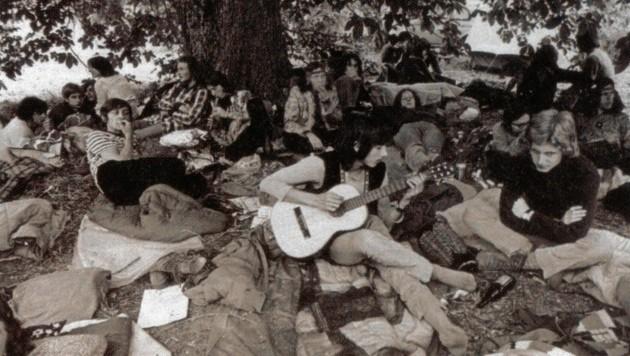 Viel zu viele strömten zum steirischen Woodstock. Auch Druckfehler beim Plakat konnten daran nichts ändern. (Bild: Privatsammlung Branko Lenart)