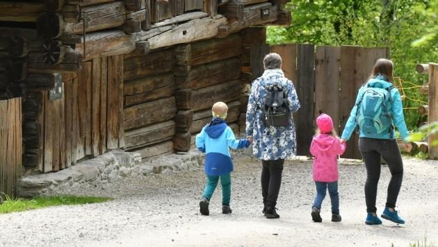Spaziergang durchs Freilichtmuseum (freier Eintritt am Samstag) (Bild: Wolfgang Spitzbart)