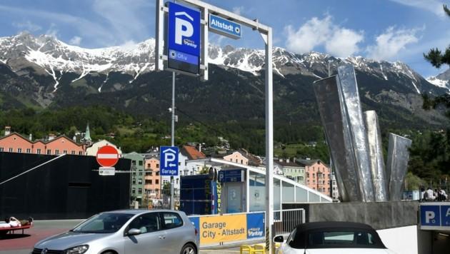 Zwei Stunden gratis parken gilt ab Mitte Juni in Innsbrucks Tiefgaragen. (Bild: Fischer Andreas)