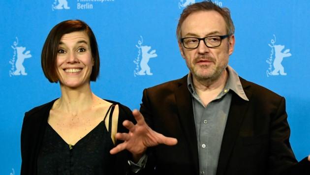 Pia Hierzegger und Josef Hader (Bild: APA/Photo by Tobias SCHWARZ / AFP)