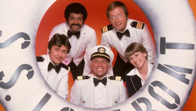 "Die Crew der Serie ""Love Boat"": Fred Grandy, Ted Lange, Gavin MacLeod, Bernie Kopell und Lauren Tewes (Bild: mptv / picturedesk.com)"