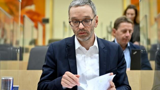 FPÖ-Klubobmann Herbert Kickls Koalitionspläne bleiben in der Schublade. (Bild: APA/HERBERT NEUBAUER)