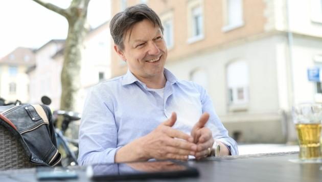 Alexander Moosbrugger (NEOS) liegt die Stadtentwicklung in Bregenz am Herzen. (Bild: Maurice Shourot)