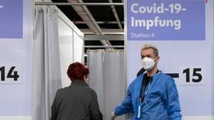 Die Zahlen zeigen: Die in Wien geltenden Maßnahmen zeigen Wirkung. (Bild: APA/AFP/JOE KLAMAR)