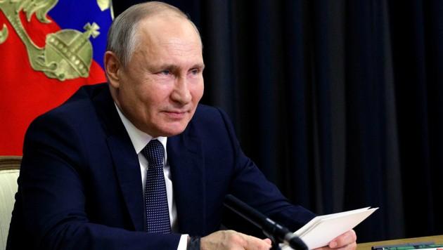 Russlands Präsident Wladimir Putin will sich einer Diskussion über Menschenrechte stellen. Dabei wird er laut seinem Außenminister Probleme in den USA ansprechen. (Bild: AP)
